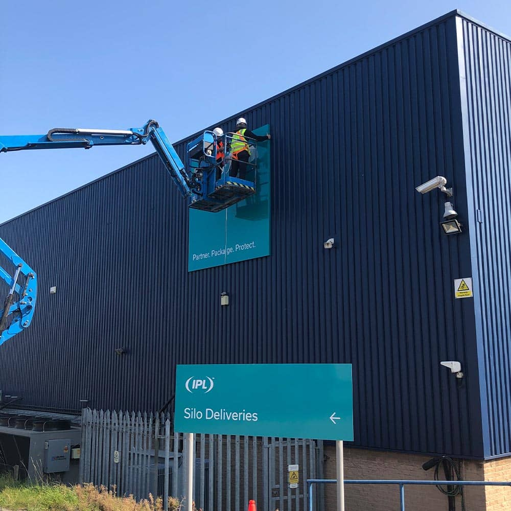Professional Sign Fitters in the UK